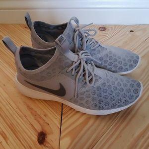 Nike Grey Sneaker size 8.5